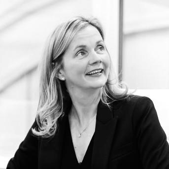 Carolyn Strauss headshot black & white
